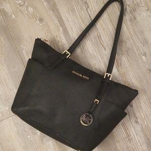 Micheal Kors black purse!